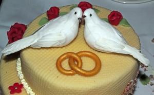 wedding-cake-170239_1280